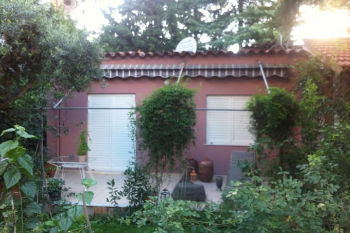 Beautiful house with garden in Cholargos Athens
