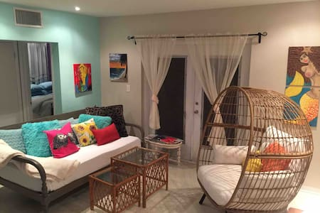 Lg, Comfy, Upscale, Miami, Off I95, Monthly 15%off
