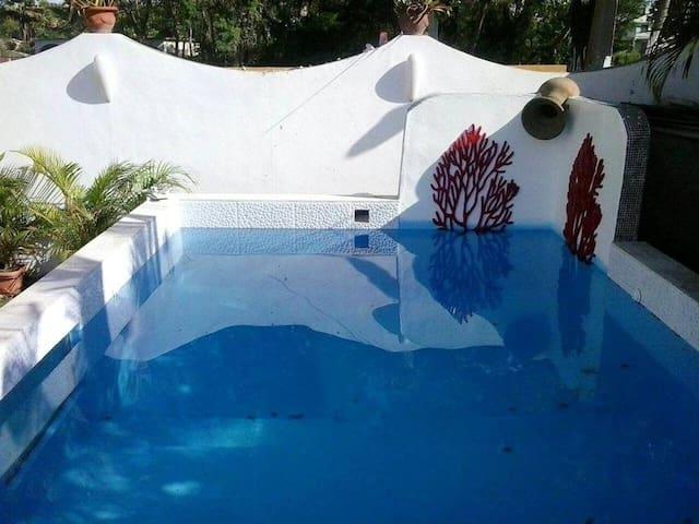 Casa con acceso piscina