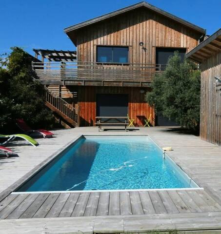 Maison au Canelot avec jardin et piscine chauffée