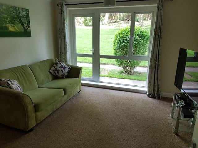 Basic Spacious 2 bedroom flat in Lichfield
