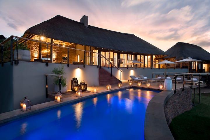 The owner's Villa at Mhondoro Safari Lodge