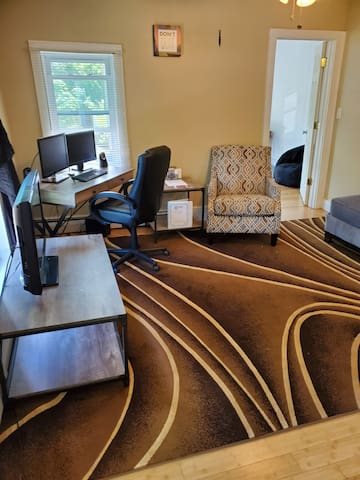 Perfect 1 BR apt. for traveling business person!