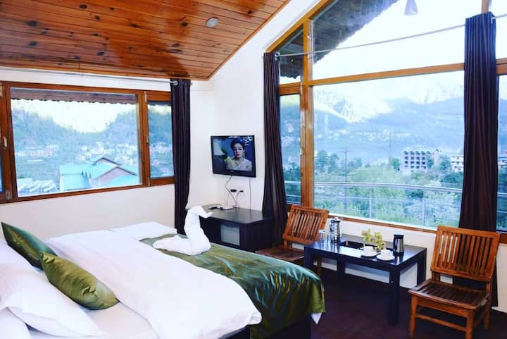 Manali Cottage with a view