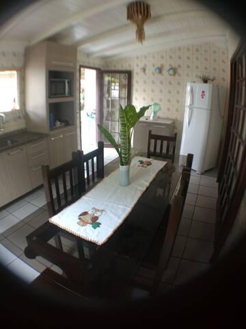 Casa de aluguel na Barra de Ibiraquera - 3 quartos