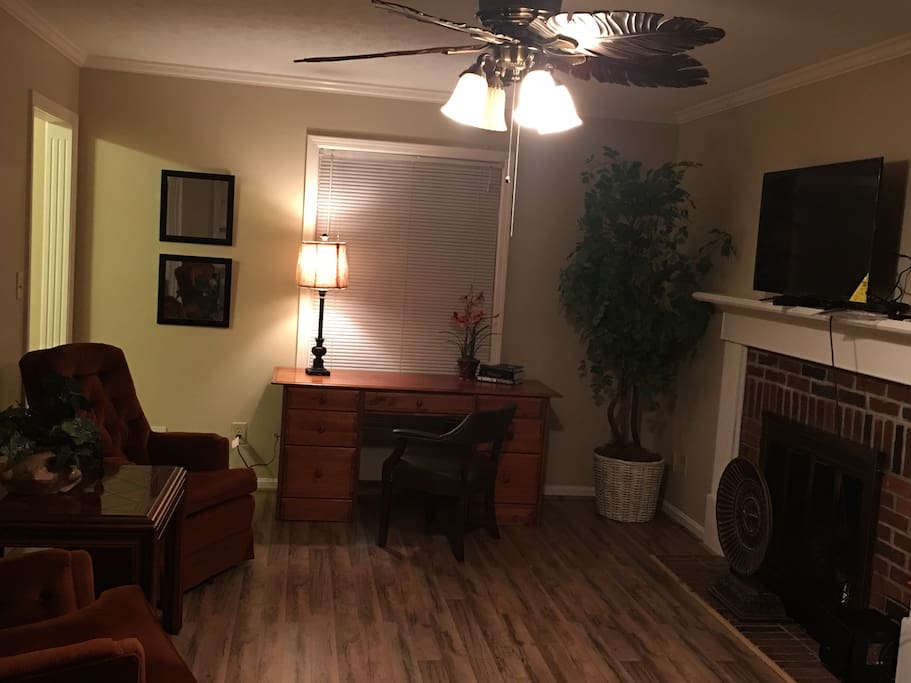 Family Room w/ desk, and Flat screen tv