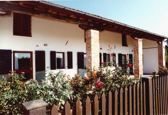 Casa Viaro, villino indipendente con piscina - San Pietro Viminario