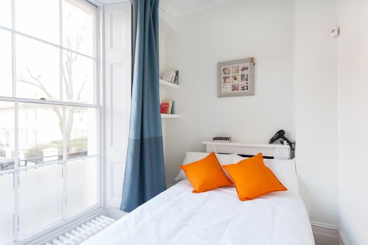 Gorgeous Double Room Next to the Regent's Park