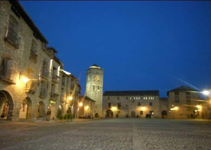 Precioso apto en el casco histórico de Ainsa