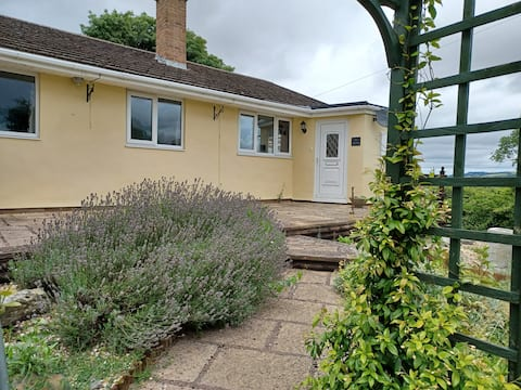GLEN VIEW- A dog friendly, three bedroom bungalow