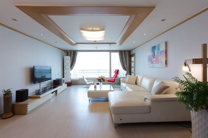 In heart of Gangnam, on K-star Road - Gangnam-gu - Apartamento