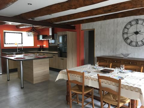 Chez Louisou, Gîte meublé au cœur du Cantal