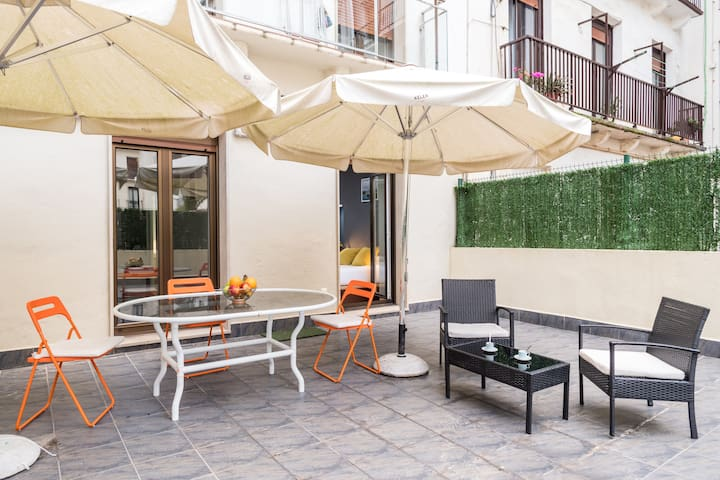 APARTMENT WITH TERRACE CLOSE THE BEACH.