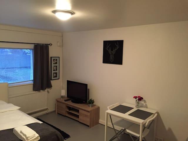 Lovely studio apartment in center of Hafnarfjordur - Hafnarfjörður - Wohnung