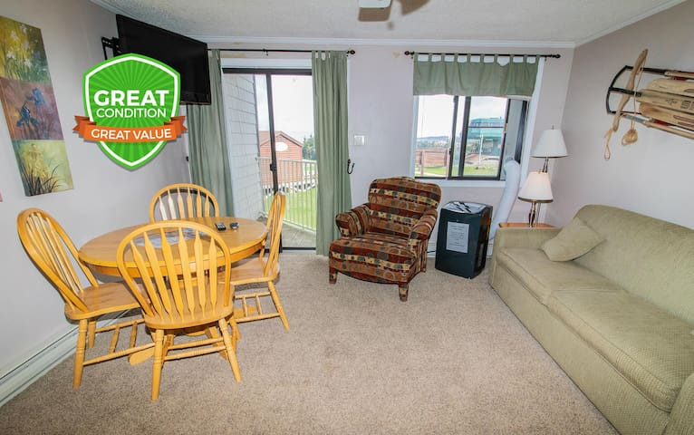 NO BAIT & SWITCH PRICING Includes Parking/Cleaning/Wi-Fi 1BR/1BA Sleep 4 ML220