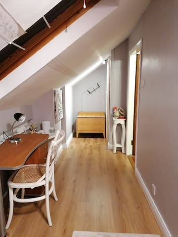 Newly refurbished room with its own private ensuite. Plenty of space with a desk and very good WiFi.  plenty of plugs ideal for long term working away from home.