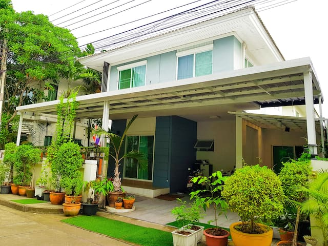 Perfect Paradise/ local Experience / Nonthaburi