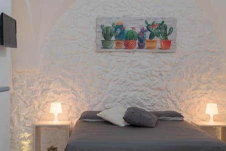 White suite Mimi'