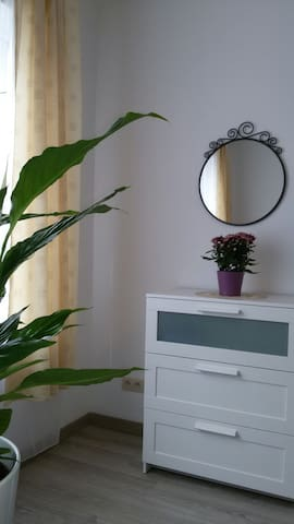 N3 Nice studio - Koekelberg - Bed & Breakfast