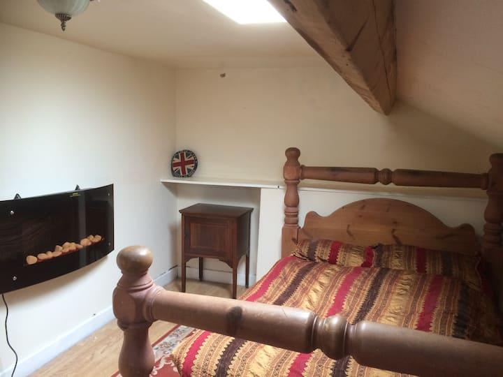 Attic en-suite room in Douglas