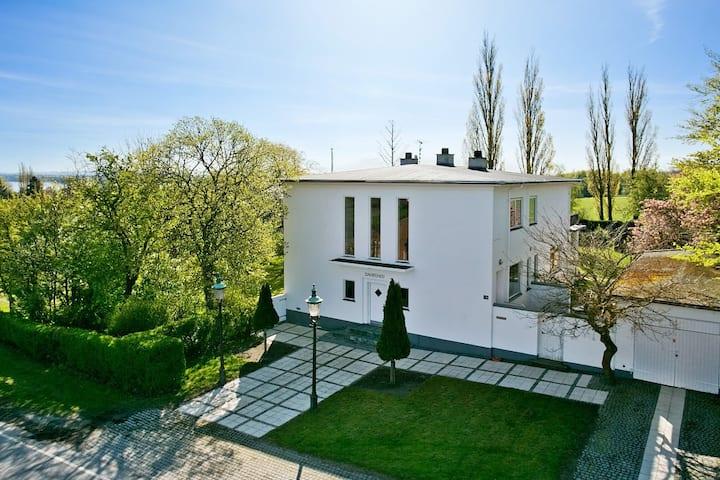 Flot privat villa med fantastisk udsigt