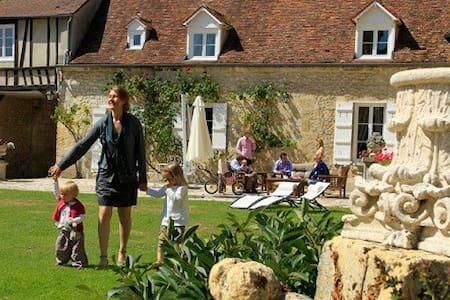 Clos de l'Abbaye suite familiale - Bed & Breakfast
