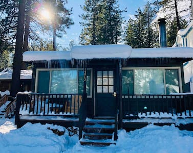 Newly Remodeled Cabin Bungalow. Close to Town+PCT