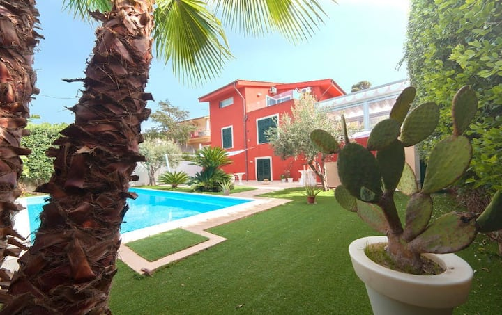 "Charming ""Villa del Golfo"" Pool Sea view 8 Pax"