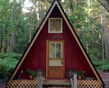 Private Redmond Cottage in the woods - Redmond