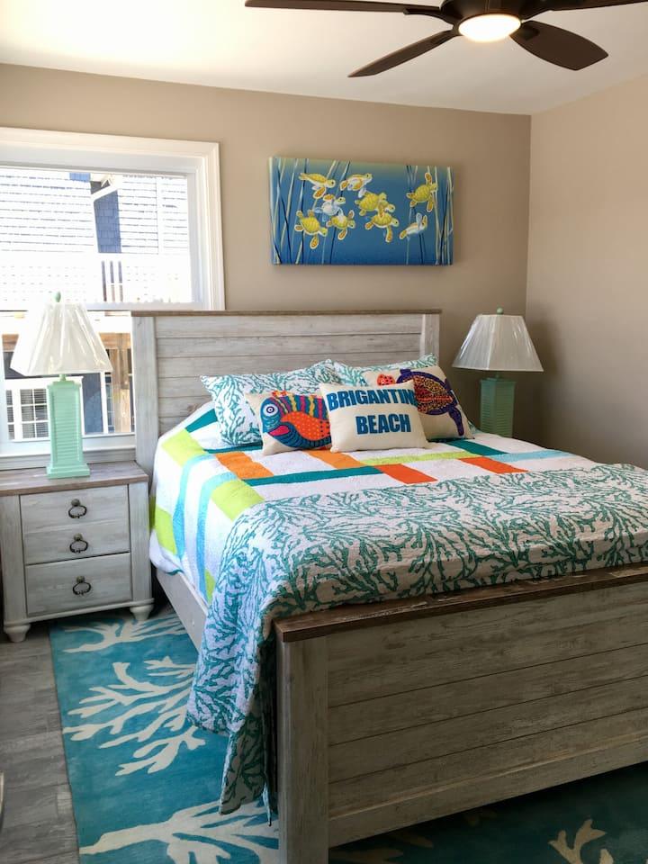 Happy 1 Bedroom Beach Condo-Sleeps  2nd floor