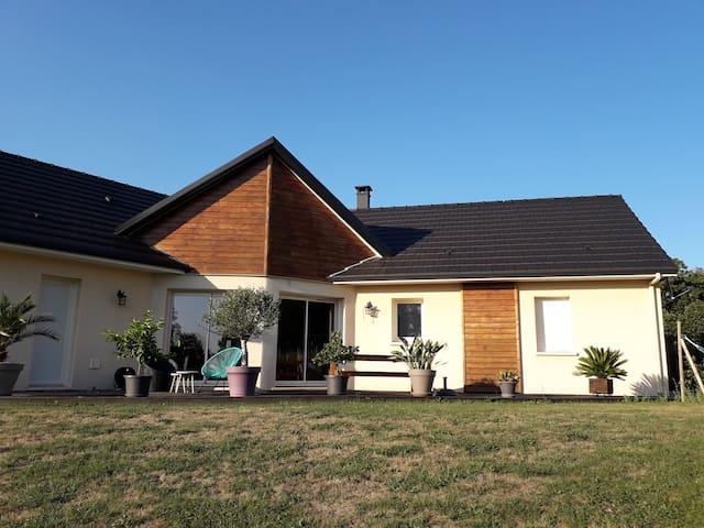 """Maison """"au simple bonheur corrézien"""""""