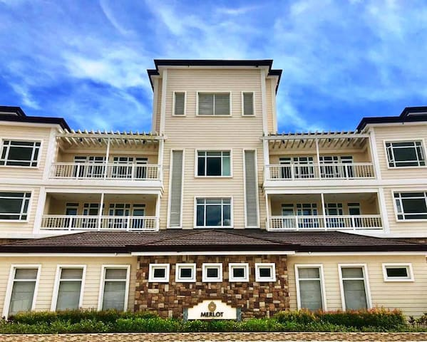 Twin Lakes One Bedroom With Balcony Suite