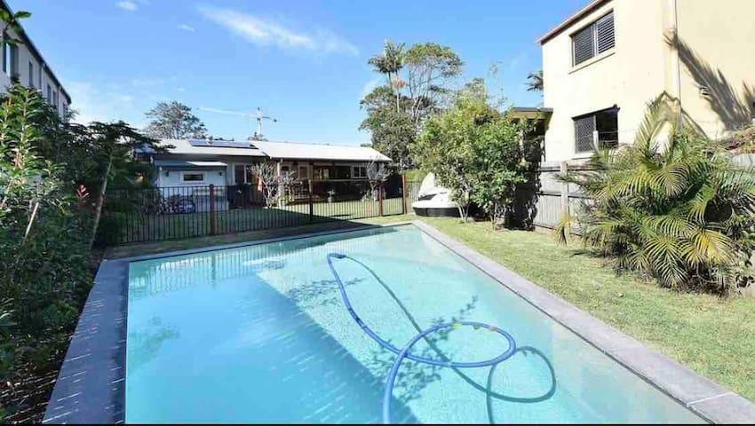 North burleigh beach house