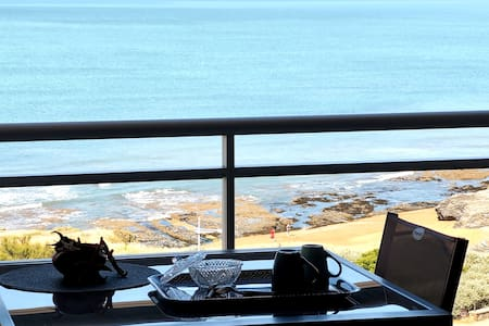 Front de mer magnifique vue WiFi sur la corniche