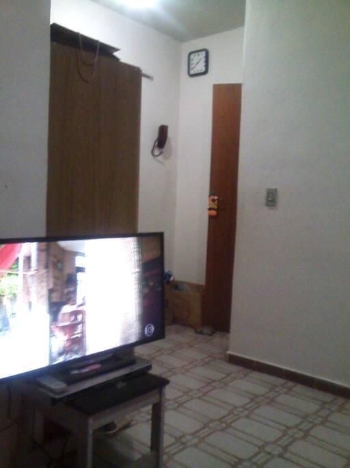 Tv com imagem. Digital.