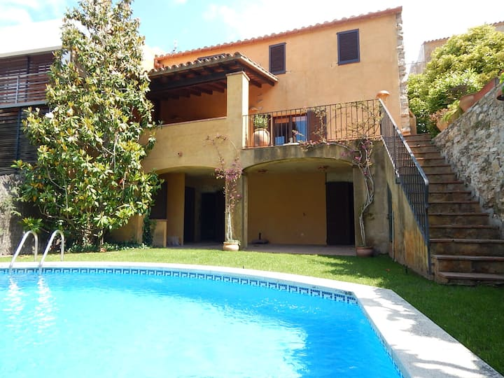 Centric Village house with private pool
