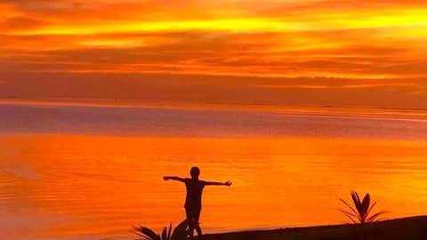 FARE OAOA Haapiti... sur la plage