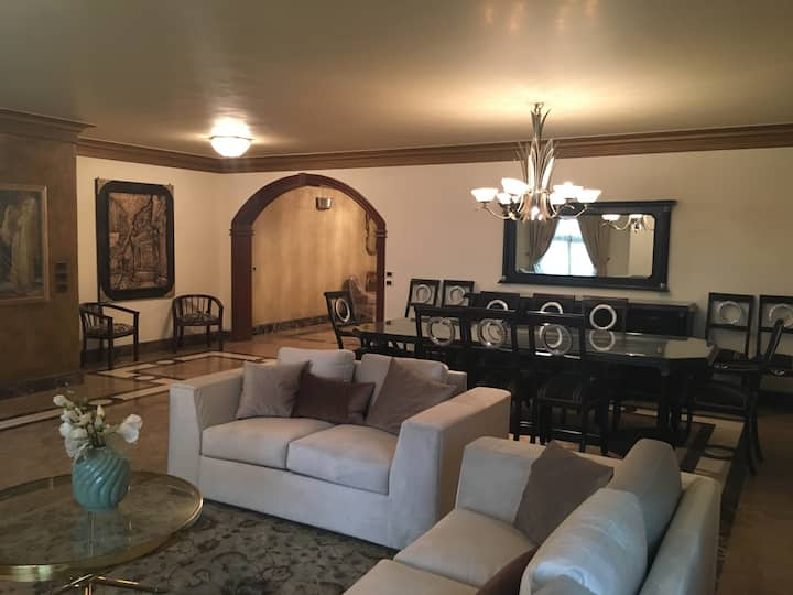 Elegant & Luxurious 3 Full master Bedrooms 350m2