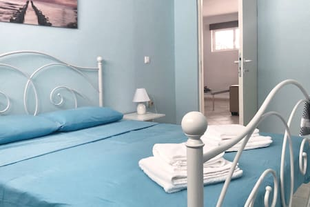 Renovated appartment 100 m from beach! WiFi-A/C