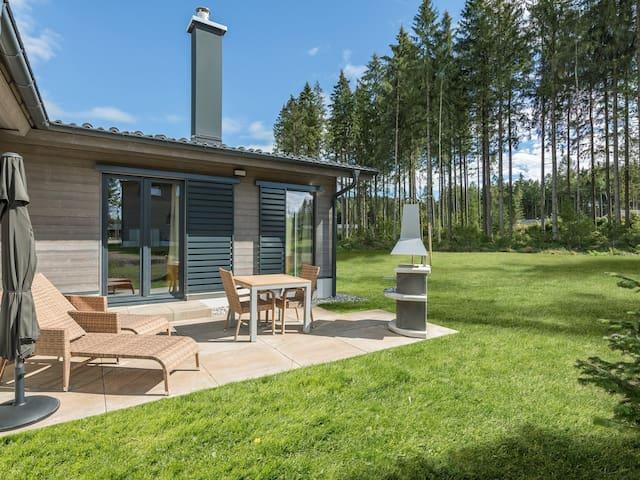 AG1423 VIP Cottage 6p
