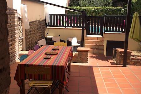 Charmante maison de village rénovée avec jardin - Trouillas