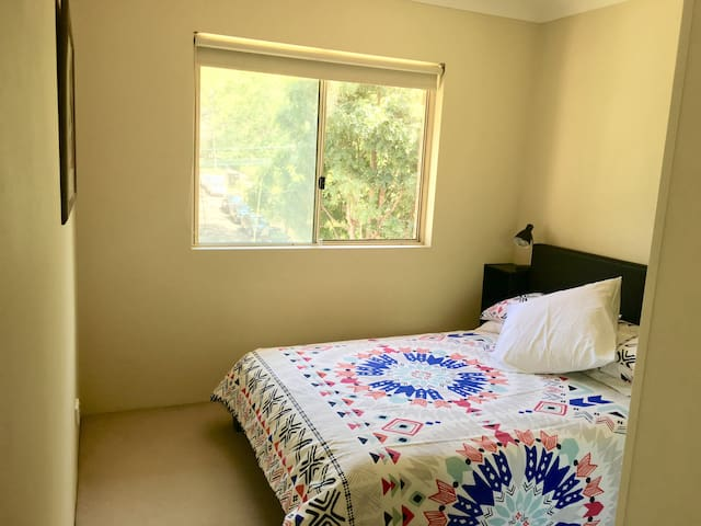The best of both worlds! Dbl room w/  own bathroom