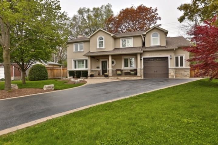 Large, Open Family Home with Pool