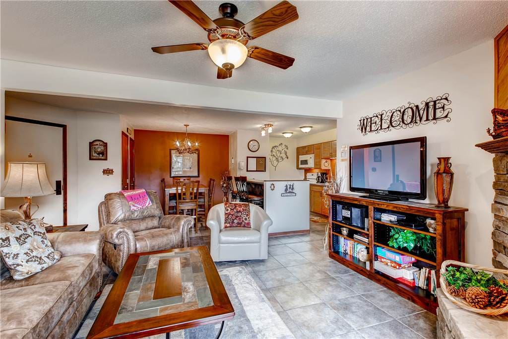 Entertainment Center,Indoors,Room,Furniture,Dining Room