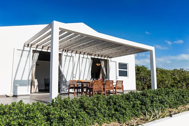 2 BR Ocean View- Private Pool- Flame Tree Villa #2