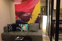 芭提雅高级公寓The Base 无边泳池 健身房 休息室 厨房 爱笑和无所不知的房东带你玩转芭提雅!