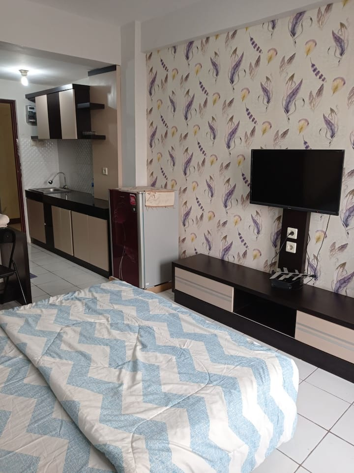 Studio Room Emerald Apartment Bandung