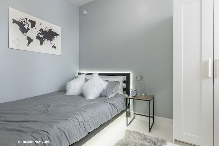 Bedroom #2: Soft Indirect LED lighting allows you to ease into the evening (supplement to overhead lamp). Plush memory foam queen mattress & memory foam pillows to optimize your sleep comfort