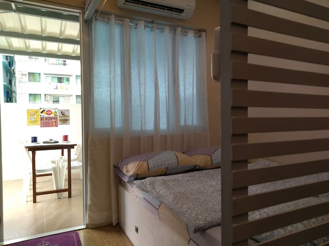 Cozy New 30sqm Condo w/ balcon at  M Place QC