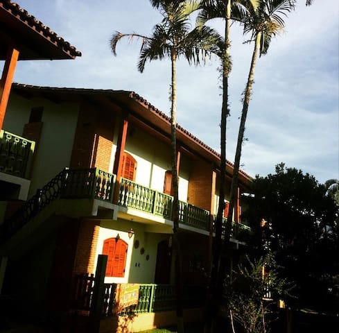 Relaxante Condomínio em Ubatuba - Maranduba - Apartamento